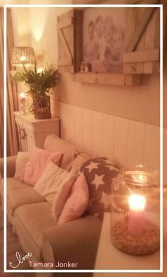 ♡Cozy living by Tamara Jonker.. # white pink & grey # stars # candle lights # lovely nook # landelijke gezellige woonkamer # kaarslicht # home inspirations & decorations...love it!