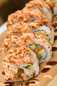 everybody-loves-to-eat - Posts tagged sushi Sushi Sauce, Asian Recipes, Healthy Recipes, Healthy Food, Homemade Sushi, Tasty, Yummy Food, Food Goals, Aesthetic Food