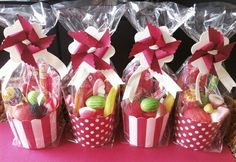 Candy Table, Candy Buffet, Easter Photo Frames, Kino Party, Candy Store Display, Candy Bouquet Diy, Bar A Bonbon, Chocolate Pack, Eid Crafts