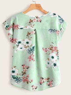 To find out about the Floral Print High Low Blouse at SHEIN, part of our latest Blouses ready to shop online today! Short Kurti Designs, Kurta Designs, Blouse Designs, Neck Designs For Suits, Dress Neck Designs, Floral Tops, Floral Prints, Only Shirt, Kurta Neck Design
