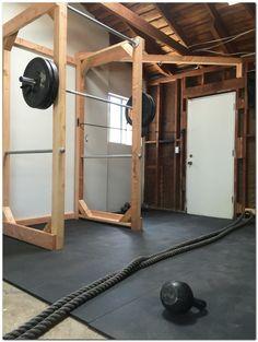 sport sport maison Best Home Gym Setup Ideas You Home Made Gym, Diy Home Gym, Gym Room At Home, Home Gym Garage, Basement Gym, Best Home Gym Setup, Layout Design, Diy Design, Crossfit Home Gym