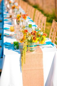 Burlap Table Runners.   {Autumn Dinner Party in a Field | Valley & Co. Lifestyle}