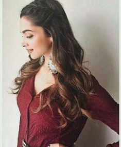 Hairstyles Inspired By Deepika Padukone_ Side twisted hair. Read more fashionpro… Open Hairstyles, Side Braid Hairstyles, My Hairstyle, Girl Hairstyles, Amazing Hairstyles, Casual Hairstyles, Engagement Hairstyles, Indian Wedding Hairstyles, Indian Hairstyles For Saree