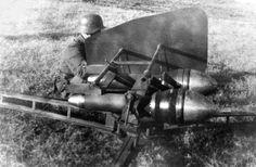 Hongrie, Un système de missiles antichars Buzogányvető (Mace) en position de tir Ww2 Photos, Ww2 Pictures, Luftwaffe, Germany Ww2, War Dogs, Military Pictures, Military Weapons, Panzer, Hungary