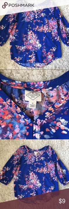 St. John's Bay Floral blouse in medium. St. John's Bay Floral blouse in medium. Perfect for spring. Worn a few times. St. John's Bay Tops Blouses
