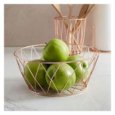 West Elm Copper Wire Fruit Bowl ($29) ❤ liked on Polyvore featuring home, kitchen & dining, serveware, fruit bowl, fruit holder, fruit bowls and west elm
