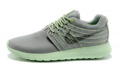 reputable site f2bc3 8d1cc Popular Sneakers, Fashion Shoes, Sneakers Fashion, Street Styles, Nike  Roshe Run, Zapatillas Nike Roshe, Nike Air Max, How To Wear, Running Shoes,  Shoe, ...