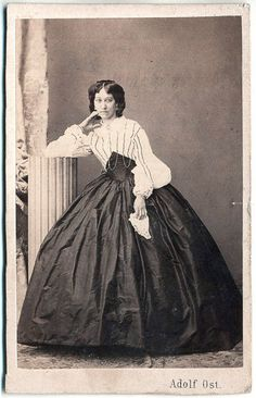 Gorgeous shirt waist of very fine material, with Swiss waist/corselet and full skirt! Very lovely lady!