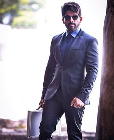 stylest Allu Arjun new trading style amazing pictures collection - Life is Won for Flying (wonfy) Allu Arjun Hairstyle, Dj Movie, Allu Arjun Wallpapers, Allu Arjun Images, Indian Photography, Hand Photography, Galaxy Pictures, Indian Wedding Photos, Sr K