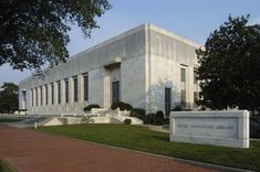 Folger Shakespeare Library Washington, DC