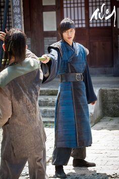 Choi Young - Faith Korean Traditional Dress, Traditional Dresses, Korean Celebrities, Korean Actors, Korean Dramas, Lee Min Ho Faith, Lee Min Ho Dramas, Kim Hee Sun, The Great Doctor