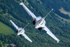 https://flic.kr/p/Jzbu7v | Just a pair of Dassault Rafale flying around… | © Nir Ben-Yosef (xnir)