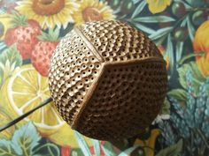 Lampe d'ambiance en noix de coco sculptée Coconut Shell Crafts, Coconut Leaves, Gourd Crafts, Gourd Lamp, Egg Art, How To Make Light, Lamp Light, Woodworking Projects, 3d Printing