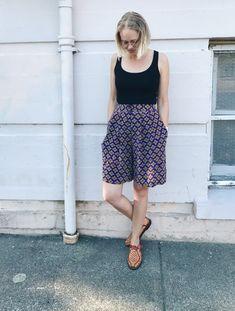 Vintage Shorts / Floral Shorts / Flowy Shorts / Floral Shorts / Boho Shorts / Silk Shorts / Bermuda Shorts / Size Medium by itsMagari on Etsy 90s Shorts, Flowy Shorts, Silk Shorts, Boho Shorts, Vintage Shorts, Vintage Wear, Oversized Jacket, Basic Tops, Shades Of Purple
