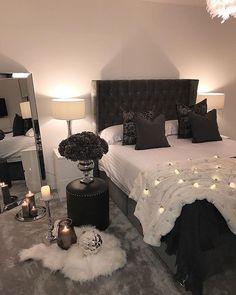 Boho Dekoration Minimalist bedroom, master bedroom, organization bedroom, white bedroom, bohemian be Room Ideas Bedroom, Dream Bedroom, Home Decor Bedroom, Girls Bedroom, Bedroom Green, Bedroom Plants, Bedroom Beach, Bed Rooms, Black Bedroom Decor
