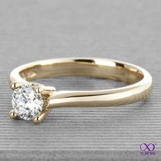 Gold. Gold. Gold. Amia. #amia #gelbgold #yorxs #brillantring #verlobungsring #engagementring #anillo #yorxs