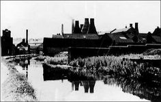 Canal scene - with bottle kilns Old Photography, Canal Boat, Narrowboat, Stoke On Trent, Traditional Art, Black And White Photography, The Past, Paper Mill, England
