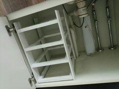 100均を使って洗面所下収納を見直しました|LIMIA (リミア) Drawer Shelves, Cabinet Drawers, Kitchen Storage, Locker Storage, Daiso, Konmari, Organization Hacks, Lockers, Interior