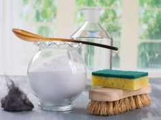 Homemade green cleaning, Eco-friendly natural cleaners with baking soda Household Cleaners, Diy Cleaners, Cleaners Homemade, Safe Cleaning Products, Cleaning Hacks, Green Cleaning, Spring Cleaning, Helfer, Natural Cleaners