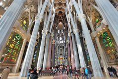 Antonio Gaudí - La sagrada familia - España, Barcelona. S.XX, arquitectura Modernista