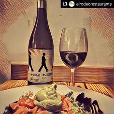 #Repost @elrodeorestaurante  Aunque la virgen sea blanca píntame #AngelitosNegros  que también se van al cielo todos los negritos buenos  #lacasamaguila #wine #instawine
