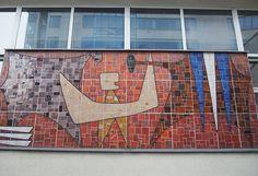 """Gmach Sądów, Ewa Żygulska, 1970, ul. Przy Rondzie 7, fotografia z książki """"Kolor i blask"""", 2015, fot. Bożena Kostuch / Muzeum Narodowe w Krakowie Culture, Painting, Art, Fotografia, Craft Art, Paintings, Kunst, Gcse Art, Draw"""