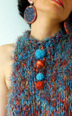 Vestido / palillo, seda, hilos de pelo, botones afieltrado
