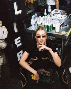 image to close this window Bella Gigi Hadid, Gigi Hadid Style, Sports Illustrated, Hadid Instagram, Retro Aesthetic, Celebs, Celebrities, Looks Cool, Film Photography