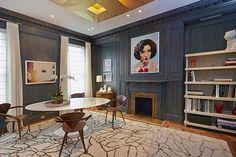 È in vendita a 5,8 milioni di dollari la casa-studio di Andy Warhol a New York. Lappartamento in Lexington Avenue si sviluppa su quattro livelli più la lavanderia. Warhol lo aveva acquistato nel 1959 per circa 60mila dollari e lì visse e lavorò per 15 anni insieme alla m
