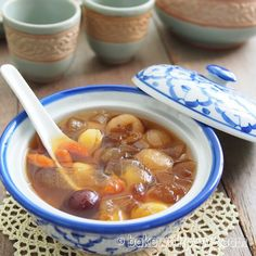 Steamed Sweet Potato, Steamed Buns, Asian Snacks, Asian Desserts, Dessert Drinks, Dessert Recipes, Snacks Recipes, Taro Recipes, Yummy Recipes