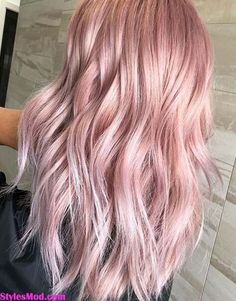 Trendiest Pink Hair Color Ideas & Trends for Long Hair In 2018 Trendiest Pink Hair Color Ideas & Trends For Long Hair In Are you looking the fresh hair color Ideas? See here the most popular Pink Hair Color Ideas with Different Shades in These Blond Rose, Pink Blonde Hair, Pastel Pink Hair, Hair Color Pink, Baby Pink Hair, Long Pink Hair, Unique Hair Color, Dusty Pink Hair, Blonde With Pink