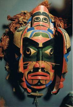 Transformation mask by Bob Harris, Native Indian Master Artist, Kwakwaka'wakw Native American Masks, Native American Artwork, Native American Artists, American Indian Art, Native Indian, Native Art, Lion Love, Dream Catcher Native American, Inuit Art