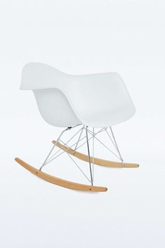 1000 ideas about schaukelstuhl wei on pinterest schaukelstuhl world of i - Chaise a bascule blanche ...