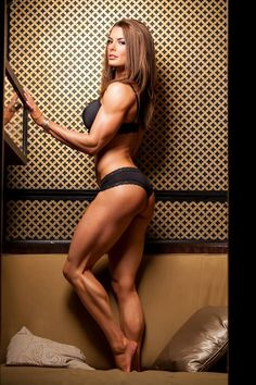Female Form #StrongIsBeautiful #Motivation #WomenLift2 Lindsay Lee Orange