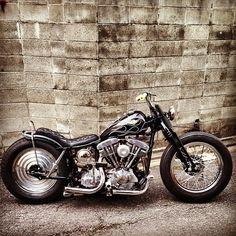 Bilderesultat for 2 seat bobber Harley Bobber, Bobber Motorcycle, Bobber Chopper, Motorcycle Style, Hd Motorcycles, Vintage Motorcycles, Bugatti, Lamborghini, Ferrari