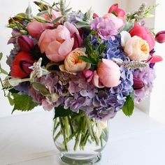 I love this bouquet with colored hydrangea, peonies, and garden roses! Peonies And Hydrangeas, Hydrangea Colors, Beautiful Flower Arrangements, Floral Arrangements, Flower Arrangements Hydrangeas, Fresh Flowers, Beautiful Flowers, Deco Floral, Ikebana