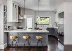 Gray Distressed Kitchen Peninsula - Design photos, ideas and inspiration. Amazing gallery of interior design and decorating ideas of Gray Distressed Kitchen Peninsula in kitchens by elite interior designers. Country Kitchen, New Kitchen, Kitchen Decor, Kitchen Ideas, Kitchen Interior, Kitchen Photos, Design Kitchen, Medium Kitchen, Cosy Kitchen