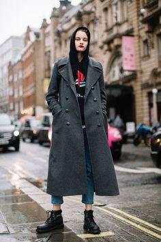 Attendees at London Fashion Week Fall 2018 - Street Fashion #londonfashionweeks,