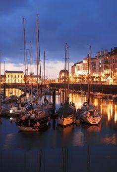 Gijón. Puerto. Fotografía Nocturna.    #Fotografía #Photography #Fotos #Photos #Viajar #Travel #Turismo #Tourism #Lugares #Places #España #Spain
