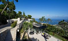 Architecture,Bayview Resort Elegant Outdoor Furniture Rustic Rock Wall Fresh Greenery: Fantastic Villa Design in France
