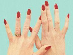 unghie mani differenti colori