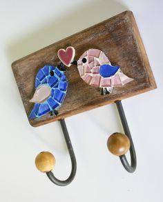 $62 Cabideiro em mosaico madeira pássaros