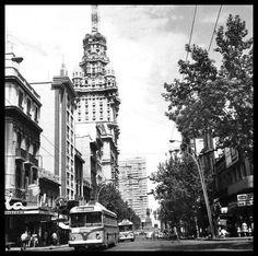 Av. 18 de Julio y Convención. Años 60 Centro, Montevideo, Uruguay