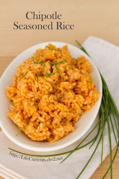 Chipotle Seasoned Rice vegan side dish vegetarian gluten free - Mac and cheese Taco Side Dishes, Vegan Side Dishes, Rice Dishes, Side Dishes Easy, Mexican Food Recipes, Whole Food Recipes, Vegetarian Recipes, Cooking Recipes, Healthy Recipes