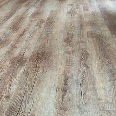 Ukázka práce podlahářů #bukoma vinylová podlaha BUKOMA PREMIUM CLICK dub přírodní Hardwood Floors, Flooring, Crafts, Wood Floor Tiles, Wood Flooring, Manualidades, Handmade Crafts, Craft, Arts And Crafts
