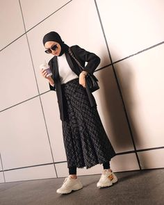 Modest Fashion Hijab, Modern Hijab Fashion, Street Hijab Fashion, Casual Hijab Outfit, Hijab Fashion Inspiration, Hijab Chic, Muslim Fashion, Korean Fashion, Fashion Outfits