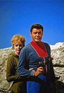 PERDIDOS NO ESPAÇO - THE LOST SPACE              Perdidos no Espaço é um seriado de televisão produzido entre 1965 e 1968, que contava a...