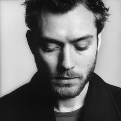 Jude Law *sigh* || Armchair Audience: Fifty Most Handsome Men in Hollywood