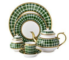 Green China, Casual Dinnerware, Christmas Items, Fine Dining, Dining Table, Shades Of Green, Tablescapes, Sale Items, Luxury Homes