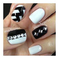 <3 #nail #nails #nailart #unha #unhas #unhasdecoradas #branco #white #preto #black